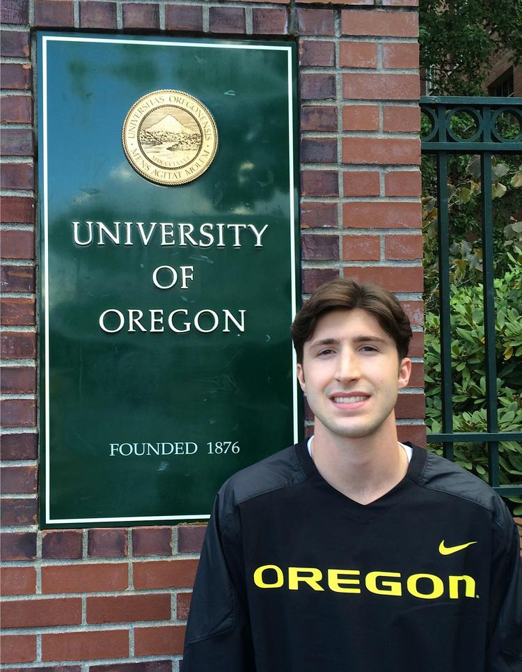 University of Oregon student Andrew Timlin has raised $400,000 from family and friends for his startup OptHub.