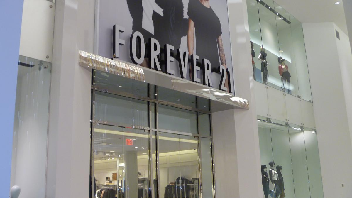 f21 red to replace barnes u0026 noble in winter garden orlando