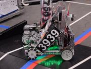 Team Robo GT admits that the green running lights on their robot, 3939, are just for show and serve no purpose. The robo overlords need to be stylin' as well as efficient.