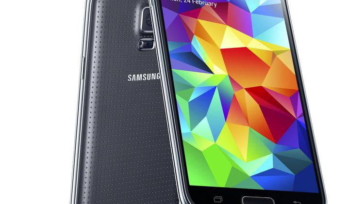 Best Buy customers can get an early look at the new Samsung Galaxy S5 at select stores. The phone will go on sale April 11.