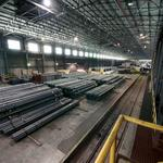 Steelmaker expands and contracts