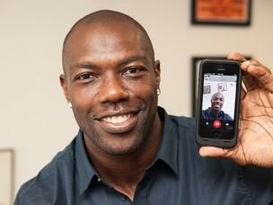 Athlete Terrell Owens makes use of Hang to connect with his fans