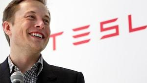 A Mercedes boss targeted Elon Musk's Tesla, saying the company doesn't have a support network for its cars. Number of all-electric Mercedes sold in the U.S.? Zero!