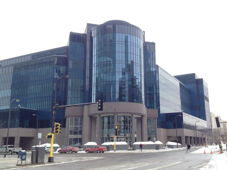 A 541,000-square-foot data center in Minneapolis is for sale.
