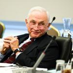Les Wexner's pay tops $24 million after record year for L Brands