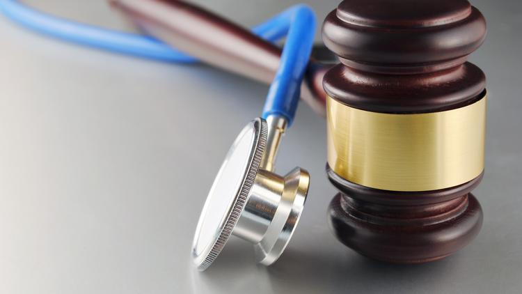 The medical malpractice lawsuit damage caps that have limited big trial verdicts and kept insurance rates lower for doctors since 2003 have been tossed by the Florida Supreme Court.