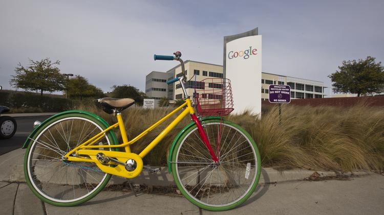 Google's ever-expanding footprint is buying a large office park in Mountain View. Sources say Google could be paying up to  $250 million for the site at 700 E. Middlefield.