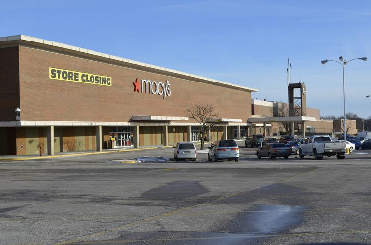 The Macy's store at Metcalf South will close.