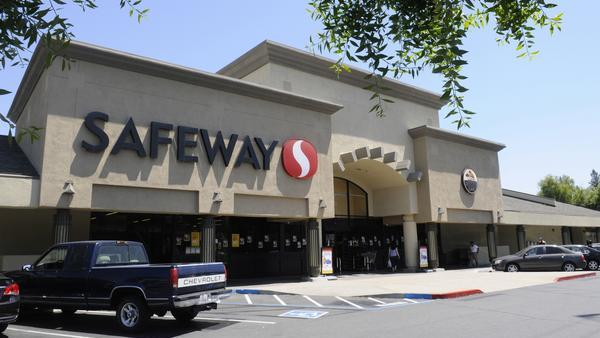 Kroger Co. could still be in the running to buy California-based supermarket rival Safeway Inc.