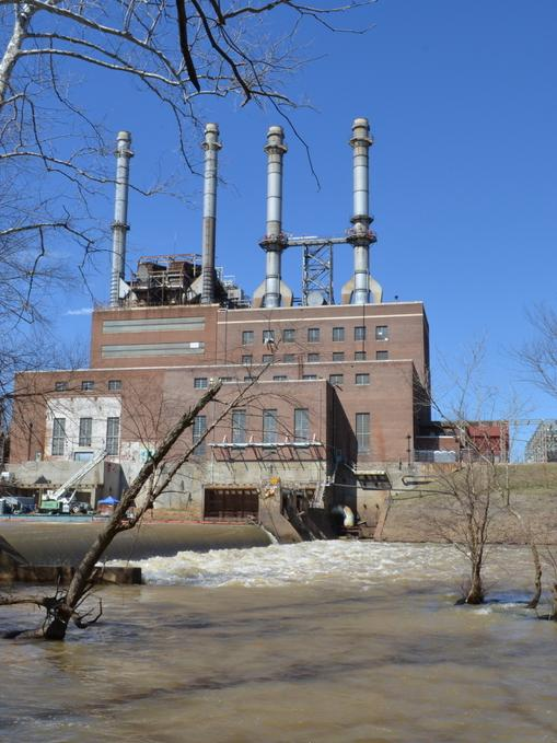 The Duke Energy power plant in Eden on the Dan River. Storage ponds to the left of the plant leaked some 39,000 tons of toxic coal ash into the river on Feb. 2, sparking a national outcry.