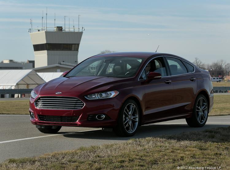 The 2013 Ford Fusion is gaining ground on Toyota's top-selling Camry model.