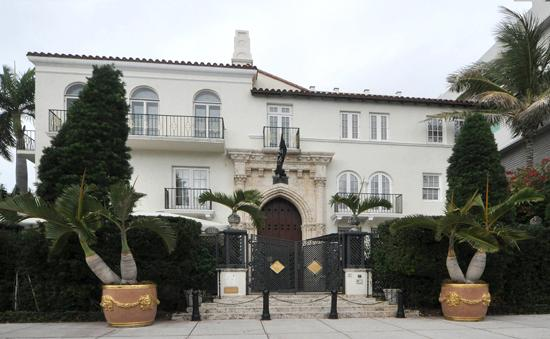 The Versace mansion owned by Raleigh entrepreneur Pete Loftin is up on auction.