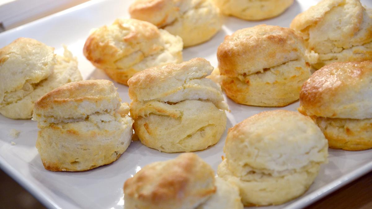 Oops! USA Today lists Lynn's Paradise Cafe biscuits among nation's ...