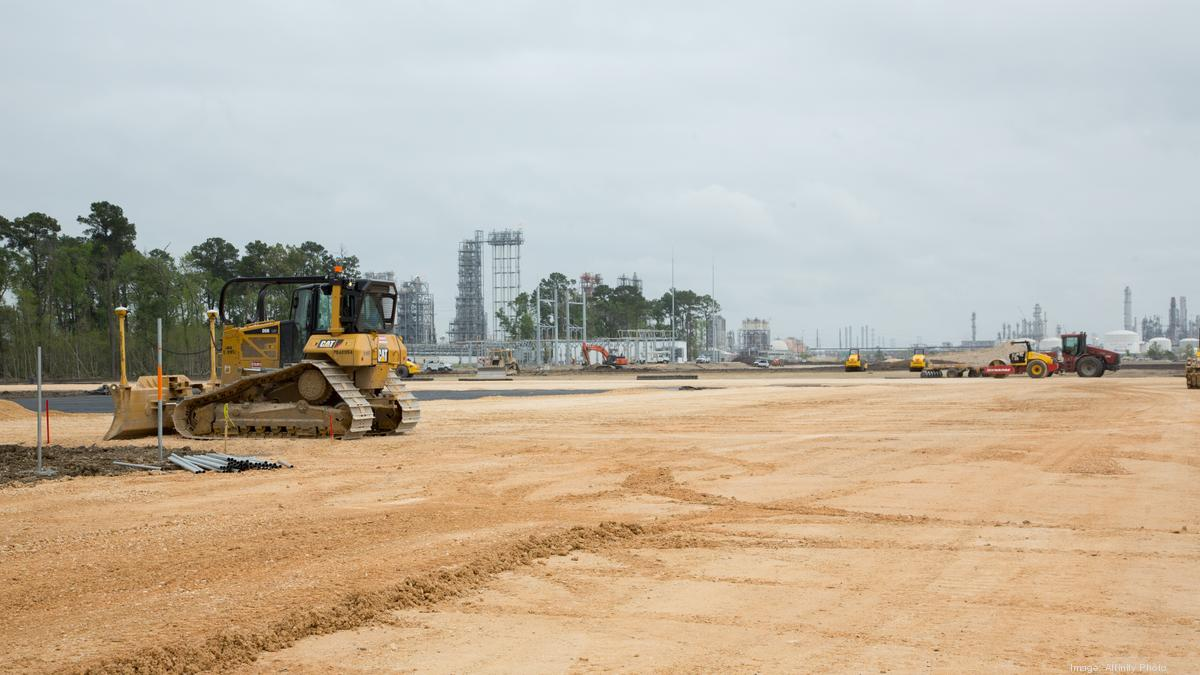 Port of Houston spurs industrial construction - Houston Business Journal