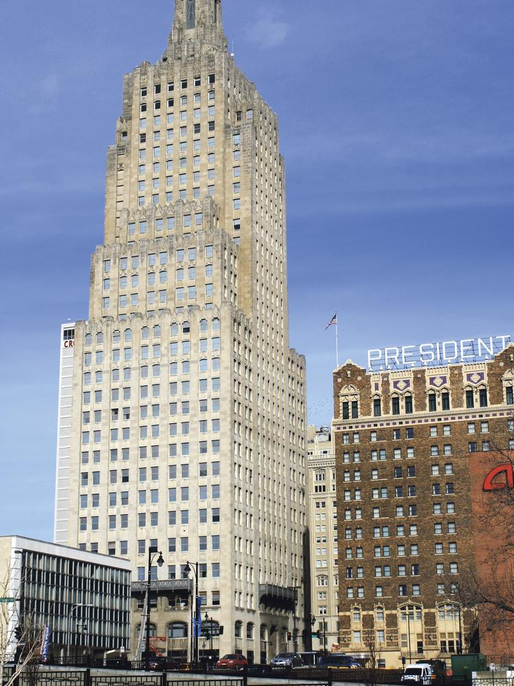 The Power & Light Building project in downtown Kansas City clears joint committee.