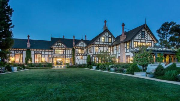 Woodside Venture Partners' Kelly Porter is putting his $27 million Venetian-inspired Los Altos Hills mansion on the market.