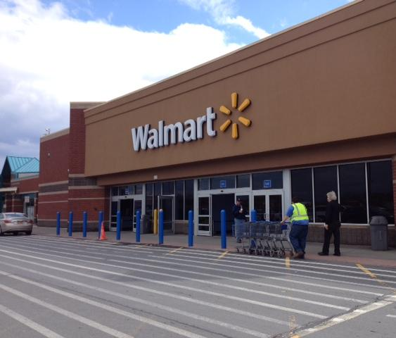 Walmart is partnering with AutoInsurance.com, a price-comparison and shopping website.
