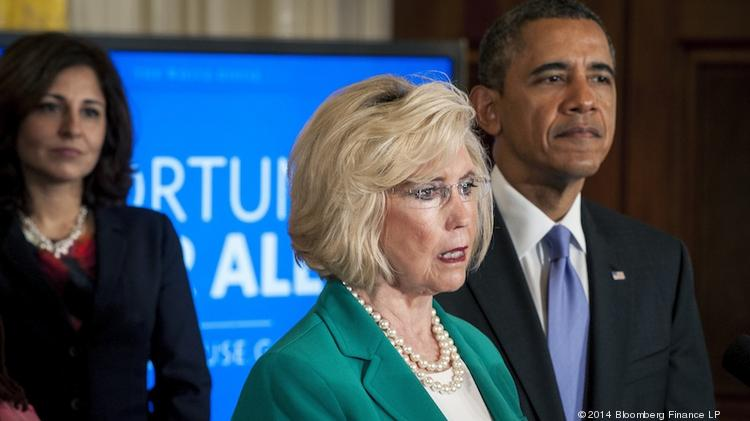 """Wage discrimination victim Lilly Ledbetter introduces President Barack Obama at a White House """"Equal Pay Day"""" event."""