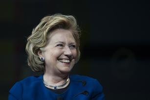 Hillary Clinton tours Silicon Valley, but it's no 'Full Ginsburg'