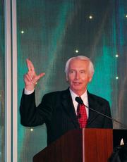 Kentucky Gov. Steve Beshear made a U of L sign to congratulate the University of Louisville football and basketball teams on successful seasons.