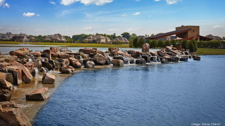 When completed, Sedona Lakes will include 900 homes and 63 acres of commercial development.
