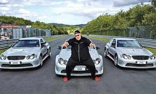 Serial Kim Dotcom, tweeted the above image early on the morning of April 16, 2014, following news that his seized assets would soon be returned.