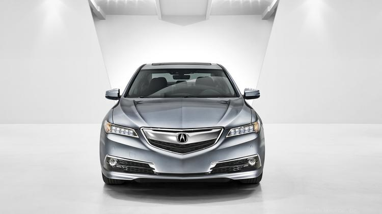 The 2015 Acura TLX is replacing the TL and TSX in the luxury brand's sedan lineup.