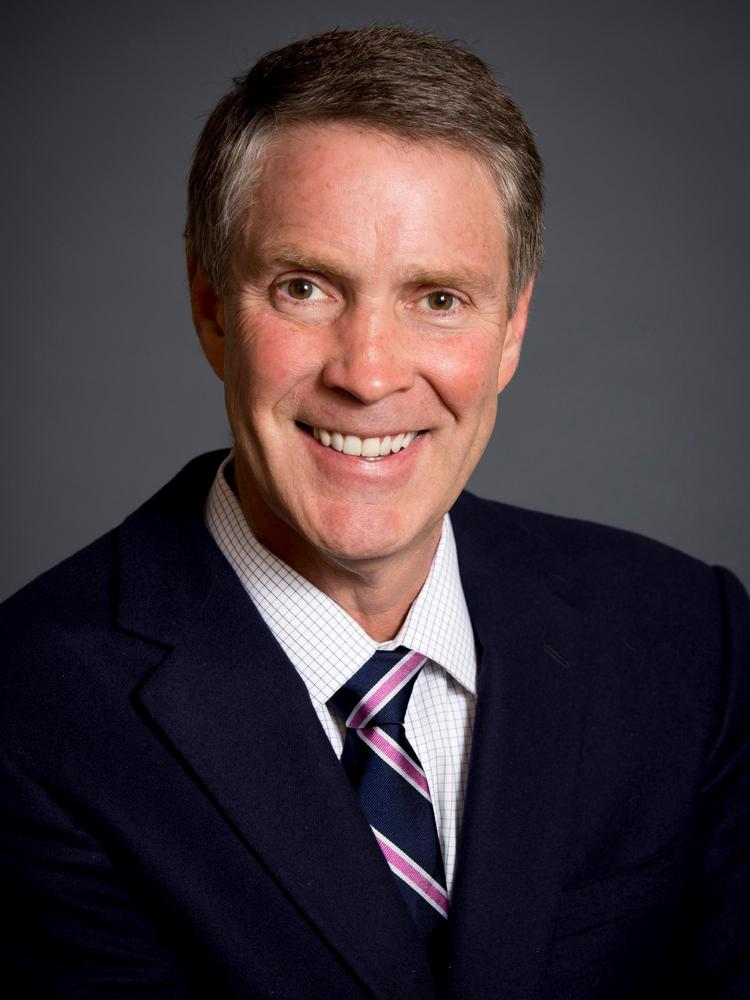 Former Senate Majority Leader Bill Frist, a Republican, joined a Theranos board that includes former Secretaries of State Henry Kissinger and George Shultz.