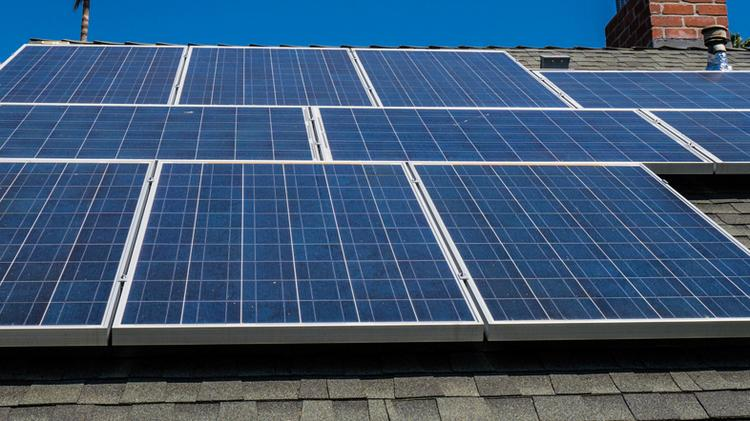 Jacksonville is poised to be a leader in solar panel, according to a new report.