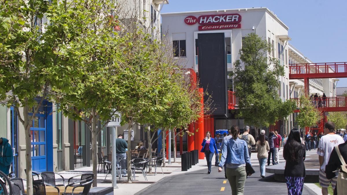 facebook incu0027s 11 menlo park campus restaurants with chef dean spinks silicon valley business journal office w