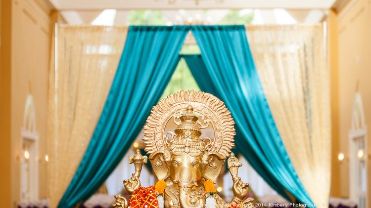 A Ganesh statue at the ceremony site.