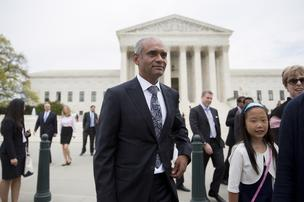 Chet Kanojia, chief executive officer of Aereo Inc., center, leaves the U.S. Supreme Court following oral arguments by Aereo Inc. and American Broadcasting Companies Inc. in Washington, D.C., on Tuesday, April 22, 2014. U.S. Supreme Court justices questioned the legality of Aereo Inc., the Barry Diller-backed startup aiming to upend the broadcast industry's decades-old business model by selling live television programming over the Internet.