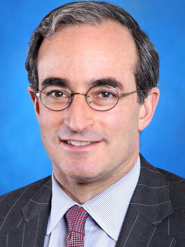 Jon Weiss will become head of Wells Fargo Securities on May 15, succeeding John Shrewsberry, who was recently named chief financial officer of the San Francisco bank.