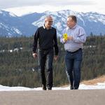Ex-Nokia CEO <strong>Elop</strong> is one of several Microsoft execs set to leave