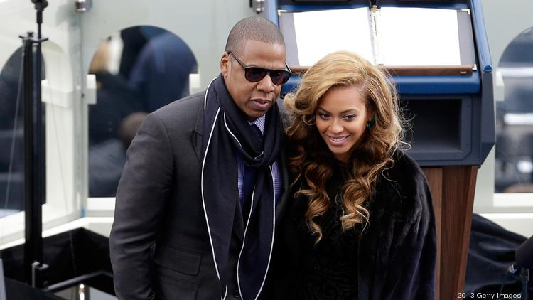 Power couple Jay-Z and Beyoncé have been spotted eating vegan at Café Gratitude on Larchmont in Los Angeles.