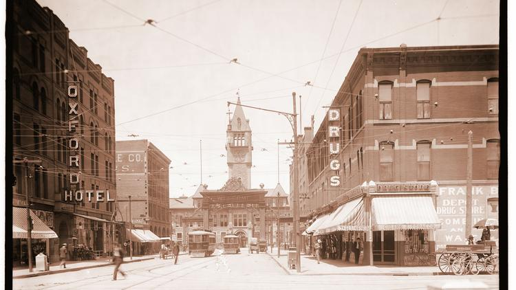 An earlier version of Denver Union Station included a tower.