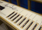 Pens used by Bush to sign laws, acts and resolutions.