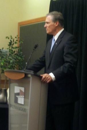 Jay Inslee speaks at the Pacific Northwest Aerospace Alliance annual meeting Wednesday evening at the Lynnwood Convention Center.