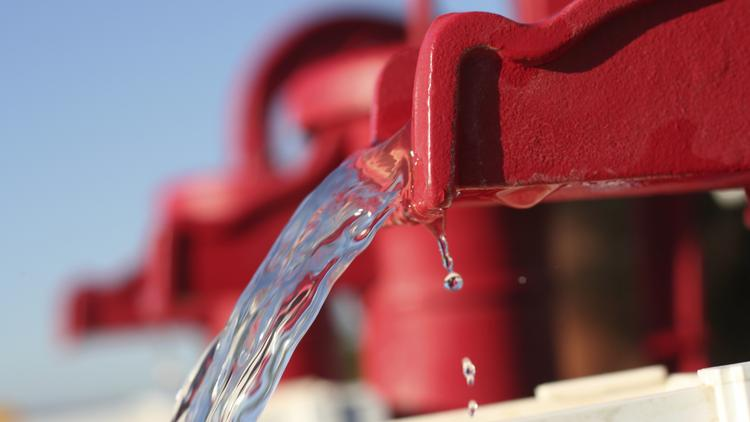 A study reports that oil and gas production in the area accounts for less than 1 percent of total water use.