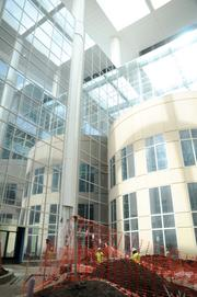 An outdoor common area allows patients and visitors the opportunity to escape the bustle of the hospital environment.