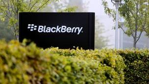 As BlackBerry's share of the U.S. commercial smartphone market continues to shrink, the company has tried to shore up its federal clients.