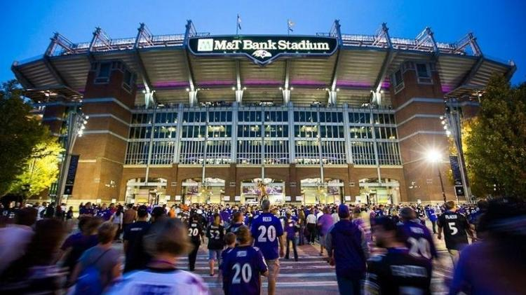 M&T Bank and the Ravens agreed to a 10-year extension for the naming rights to the team's stadium.