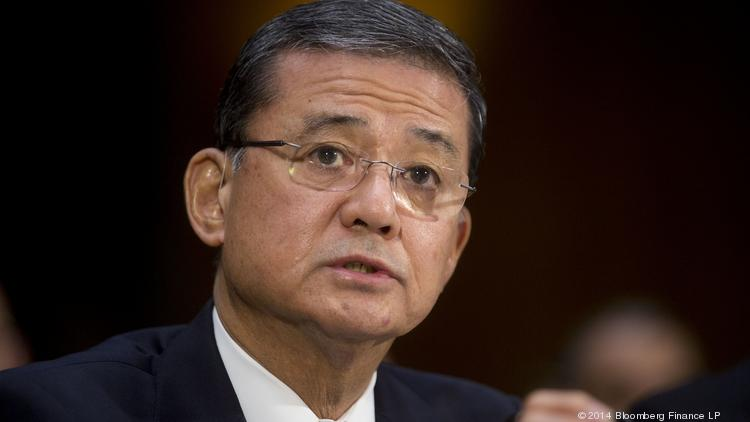 "Veterans Affairs Secretary Eric Shinseki offered his resignation to President Barack Obama while meeting with him at the White House Friday, and Obama accepted it ""with considerable regret."""