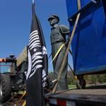 <strong>MacArthur</strong> statue moves to visible lakefront location