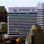 Macy's to hire tens of thousands in holiday run-up
