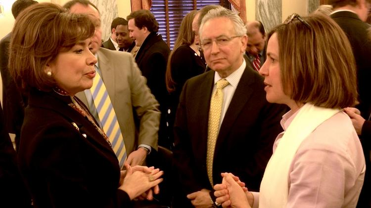 Former NADCO President and CEO Beth Solomon, right, talks to SBA Administrator Maria Contreras-Sweet at a Senate hearing earlier this year.