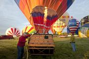 A chilly but sunny morning greeted balloonists participating in the rush-hour race on Friday.