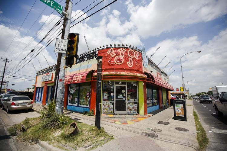 The company will leave its longtime Guadalupe Street shop and move downtown in June.