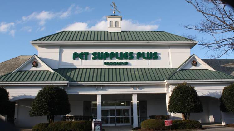 Pet Supplies Plus is seeking franchisees for its 15-store expansion.