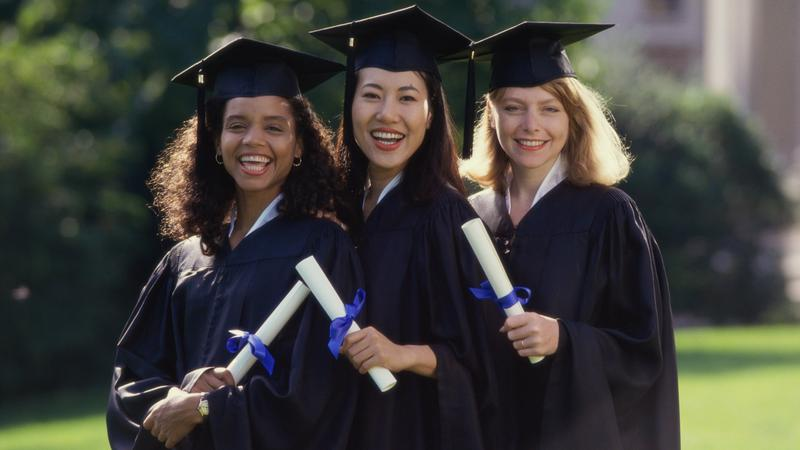 ​5 post-graduation tips for aspiring women leaders